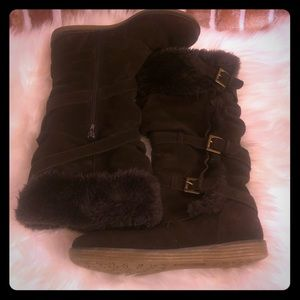 Women's bare traps tall boots size 8